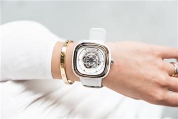 seven friday手表