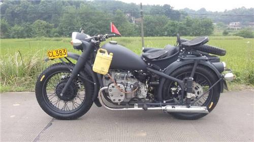 长江750摩托车